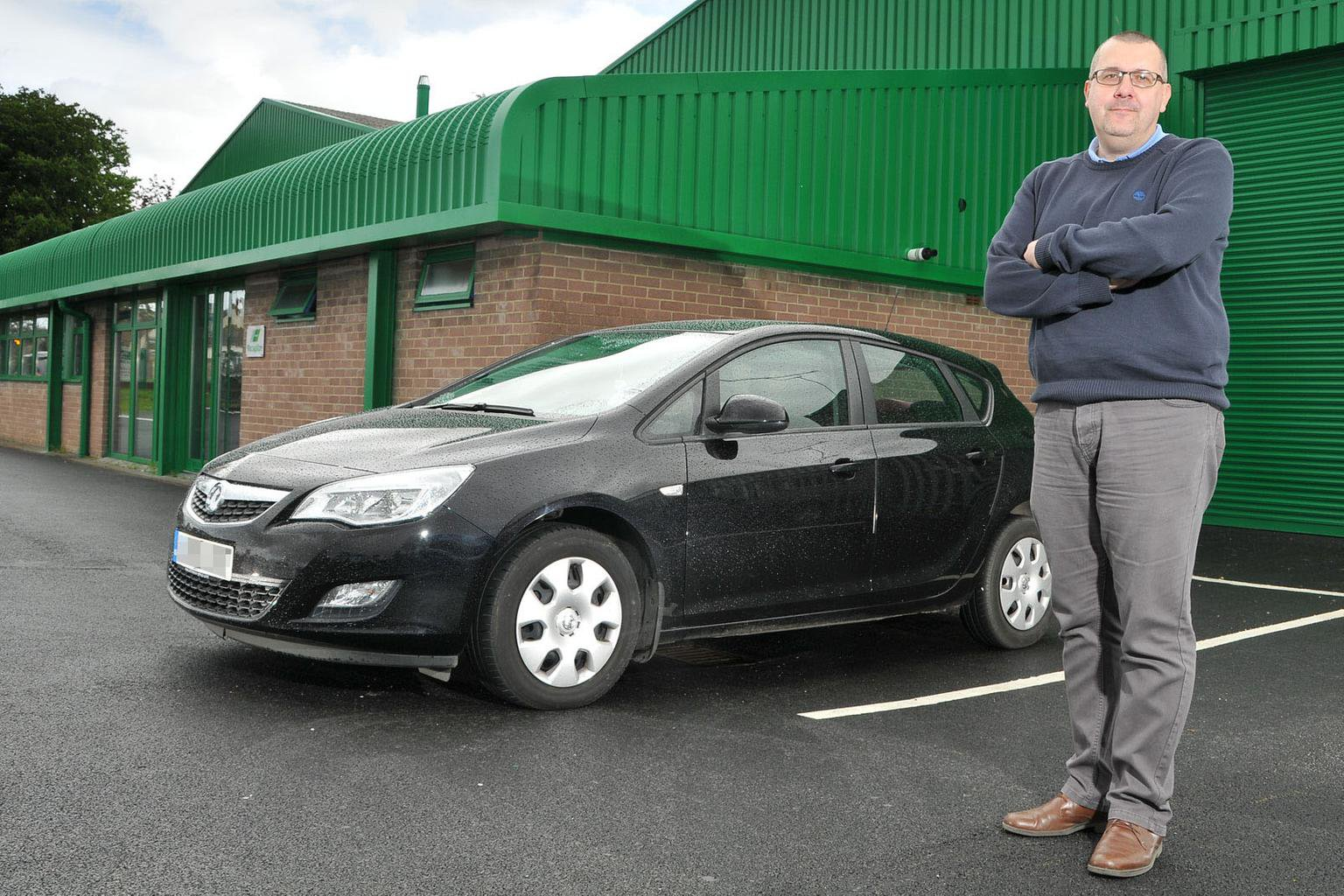 Vauxhall Meriva sold with mismatched front bumper