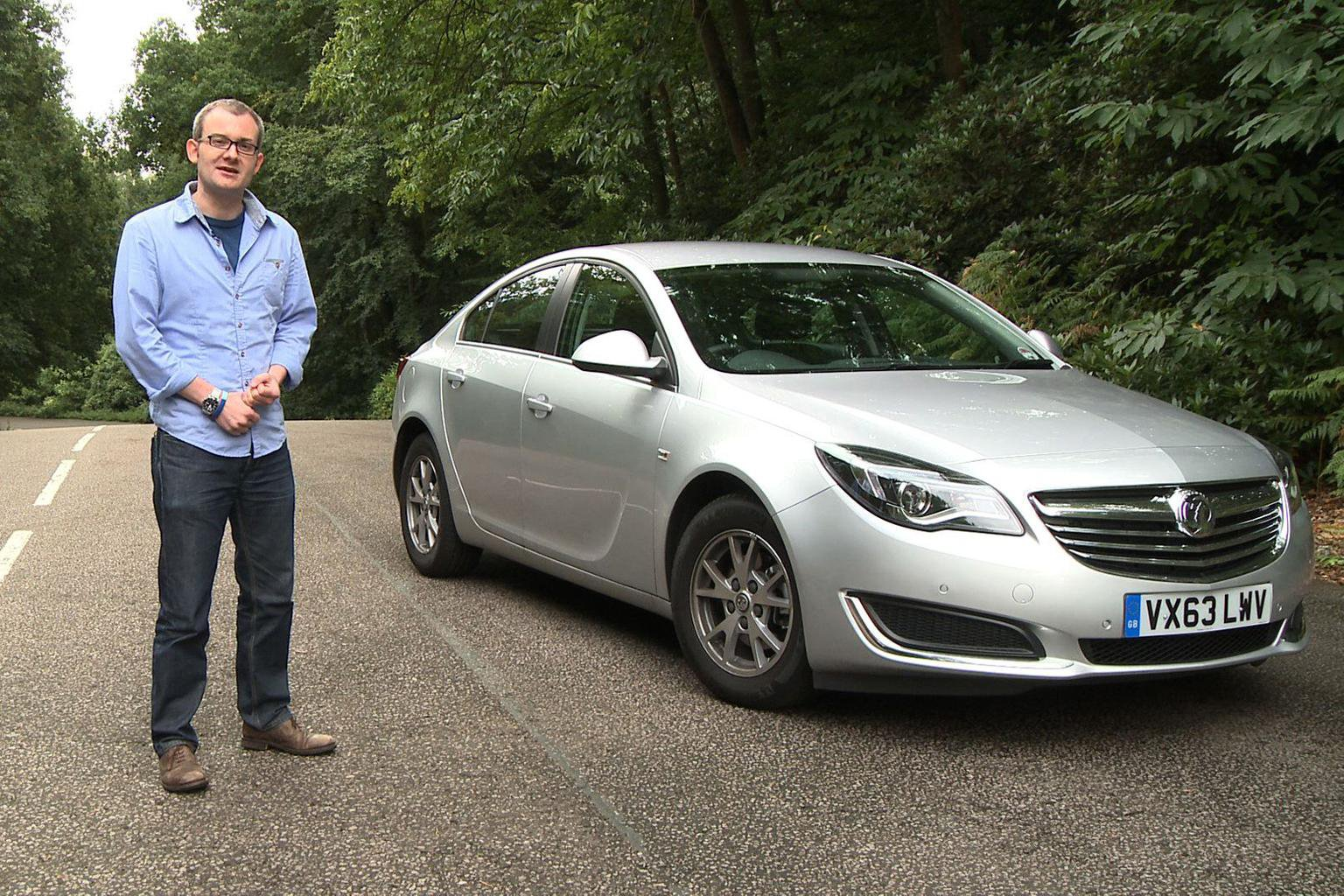 2013 Vauxhall Insignia - video review
