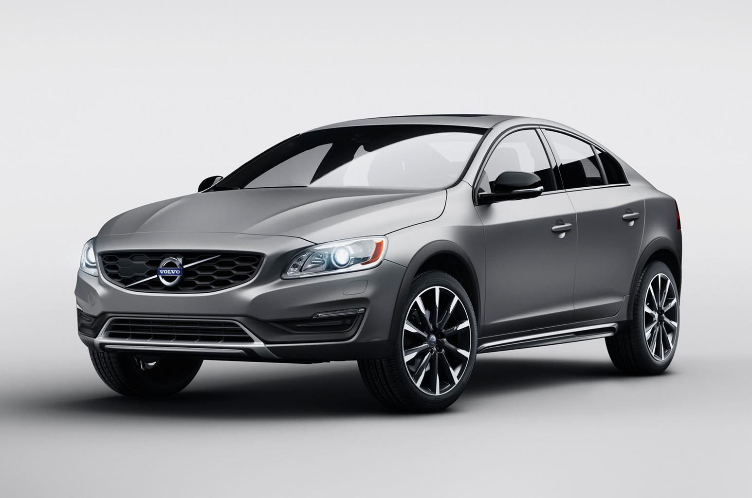 2015 Volvo S60 Cross Country - engine information, on-sale date and rivals to beat