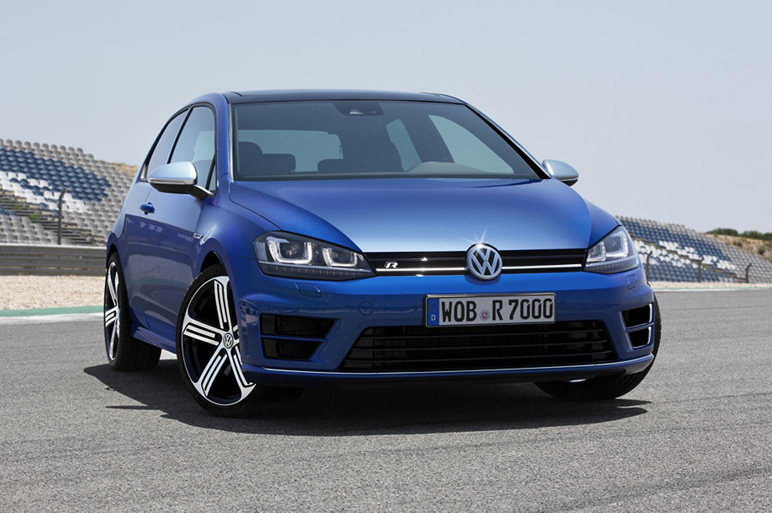 2014 Volkswagen Golf R revealed