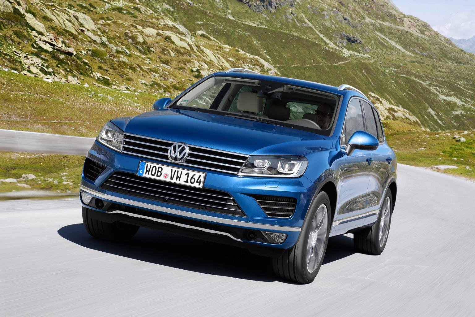 2017 Volkswagen Touareg Review