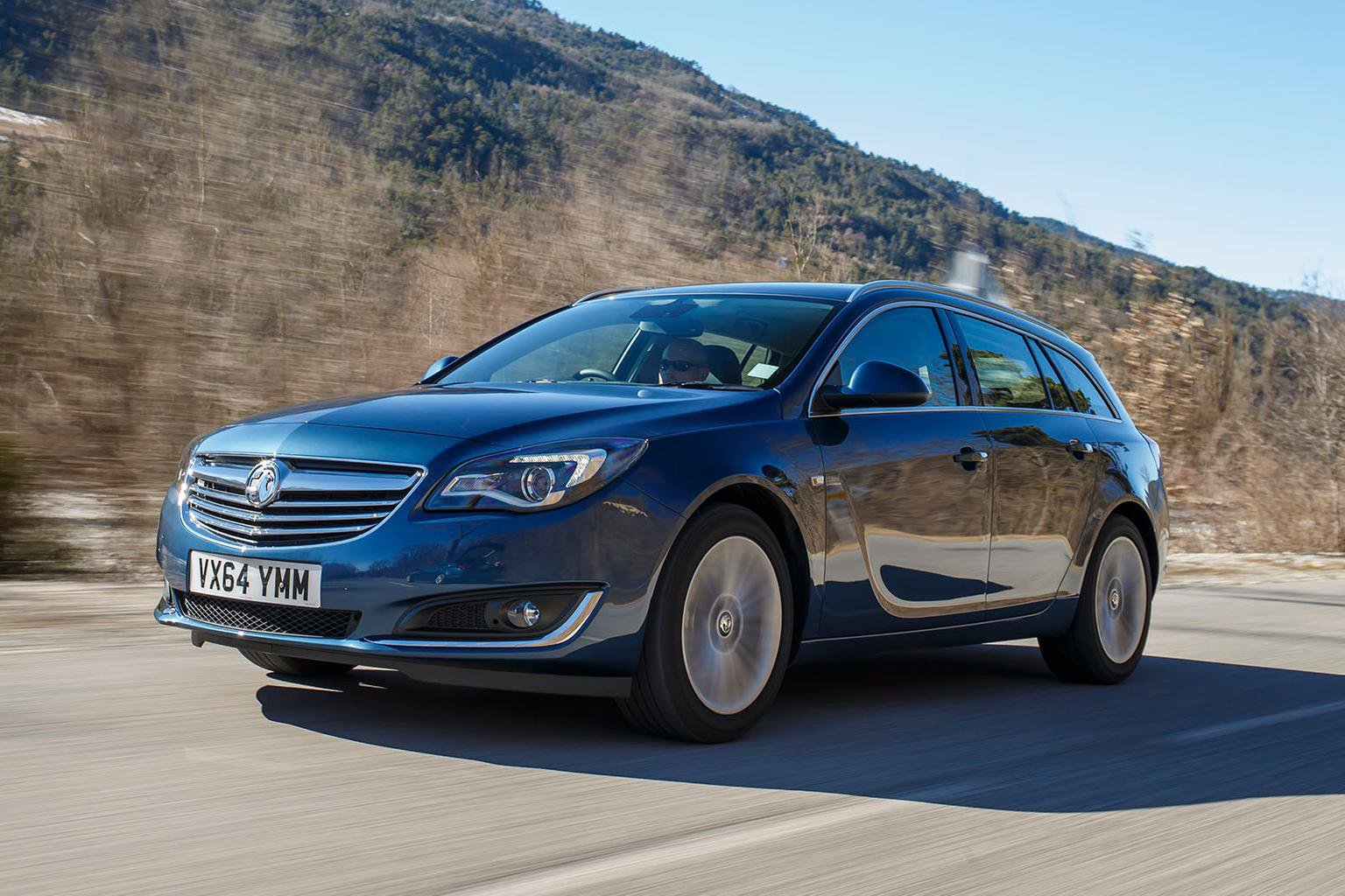 2015 Vauxhall Insignia Sports Tourer 1.6 CDTi SRI Nav review