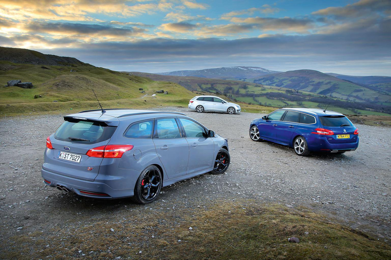 Ford Focus Estate vs Peugeot 308 SW vs Seat Leon ST