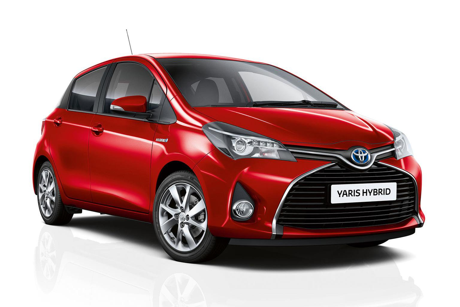 Active and Sport models added to the Toyota Yaris Hybrid range