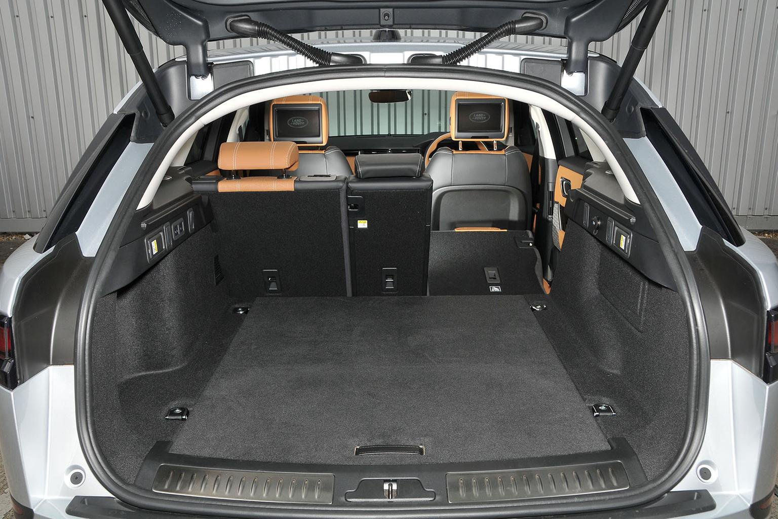 range rover velar boot space size seats what car. Black Bedroom Furniture Sets. Home Design Ideas