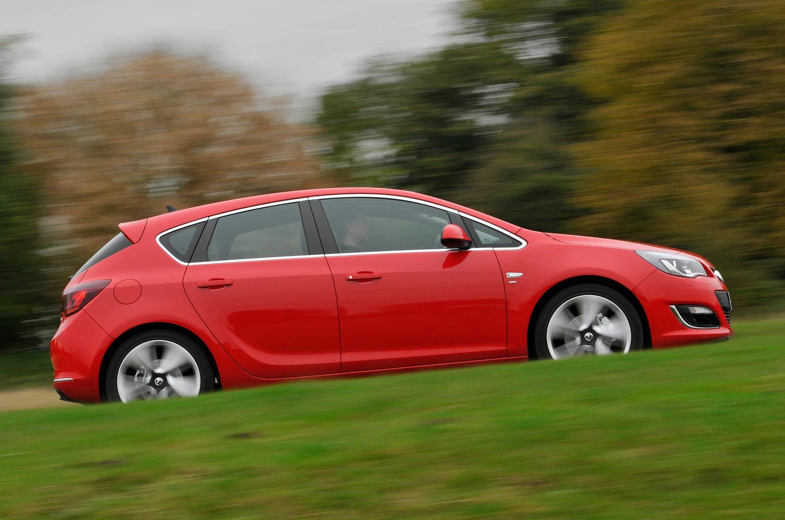 Vauxhall Astra (09 - 15)