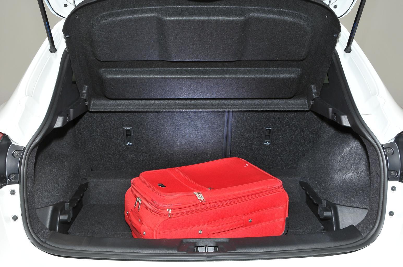 Nissan Qashqai hatchback (14 - present)