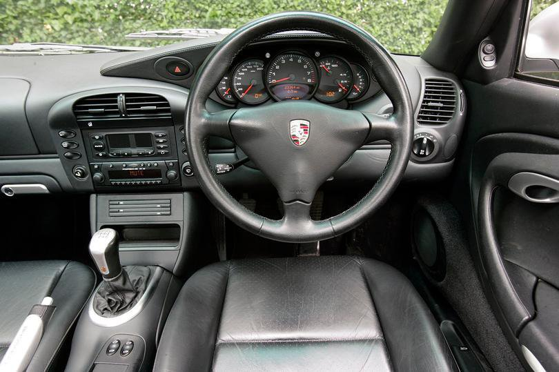 Porsche 996 dashboard
