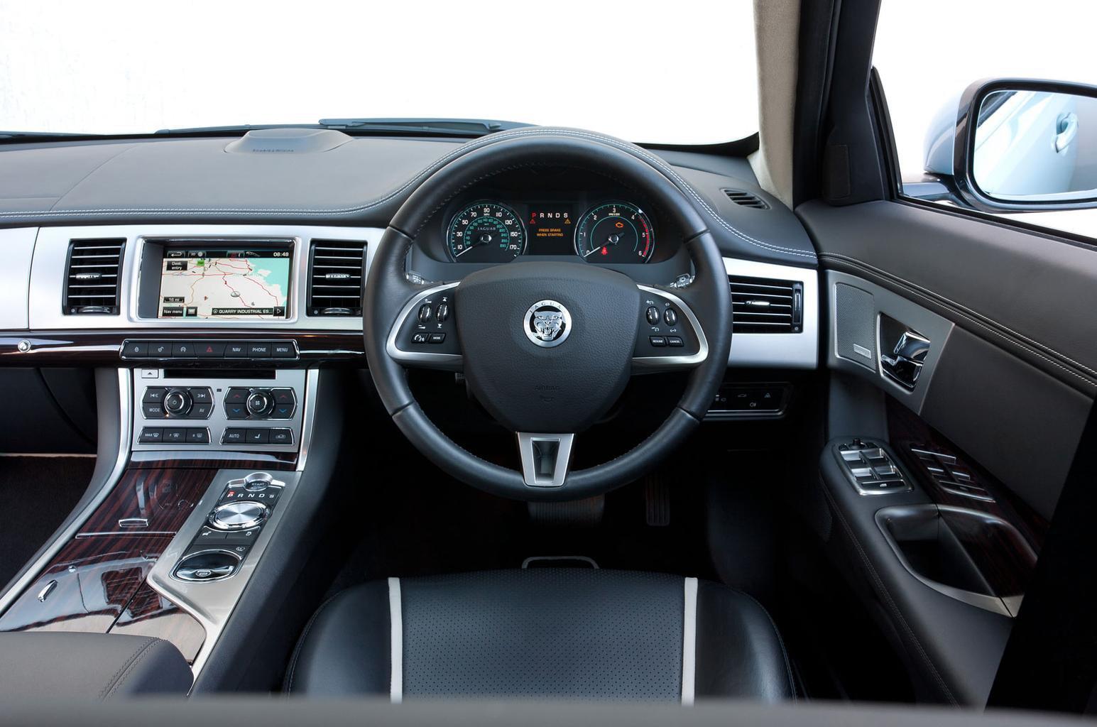 Jaguar XF (2010-2015)