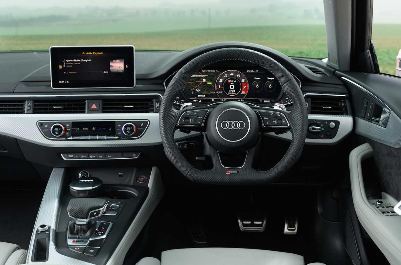 Audi RS4 dashboard