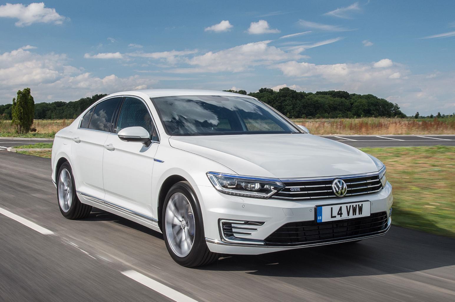 Volkswagen Passat GTE front