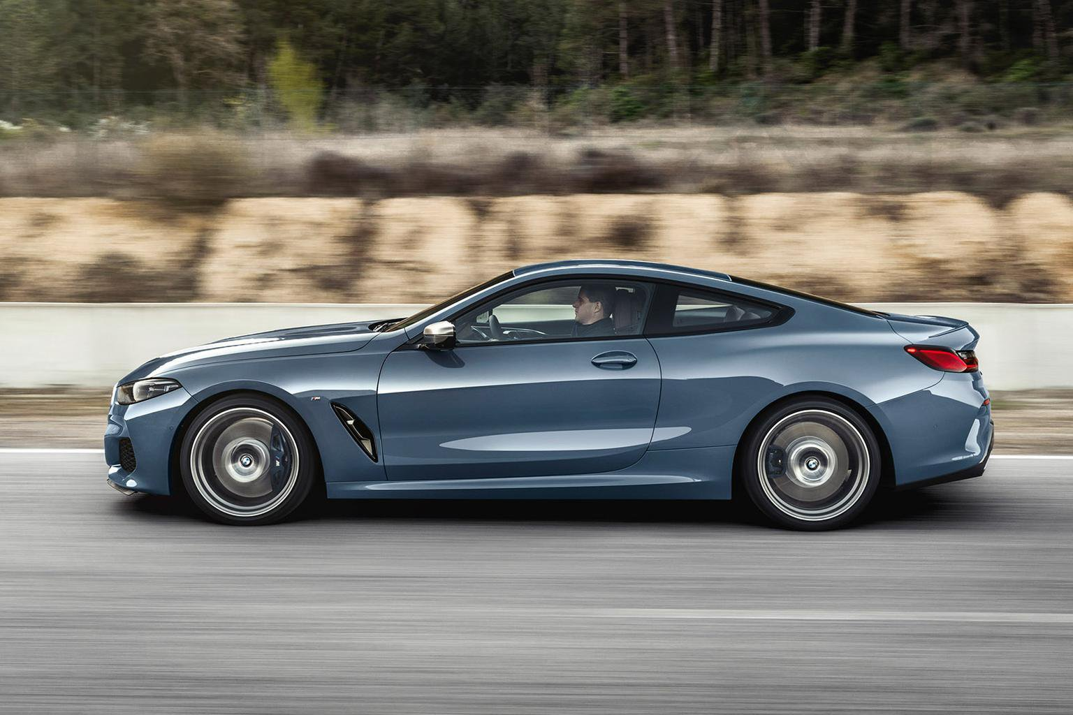 As Standard The Car Sits On 18in Alloy Wheels Although Sizes Up To 20in Are Available Options List Among 8 Series Design Highlights A