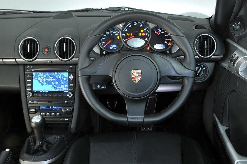 Porsche Cayman dashboard