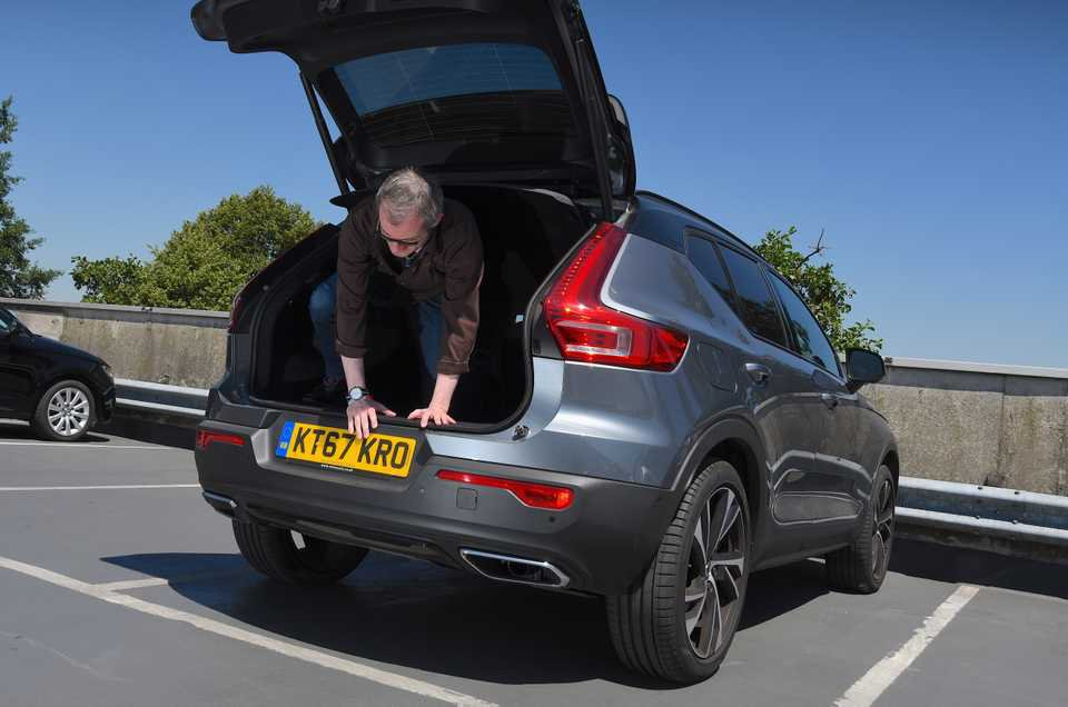 Long-term Volvo XC40 climbing out of boot