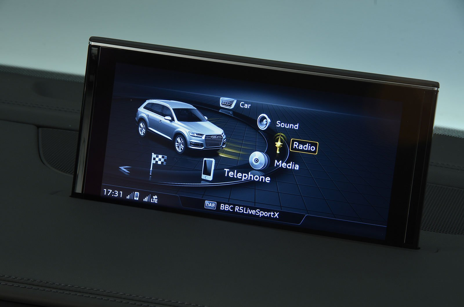 Audi SQ7 infotainment