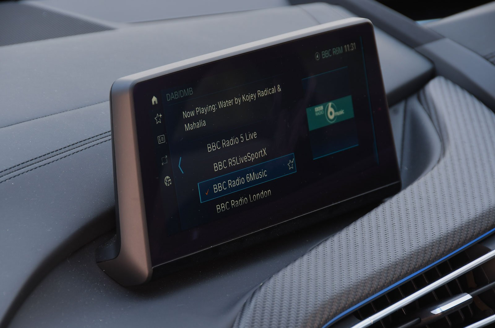 BMW i8 infotainment