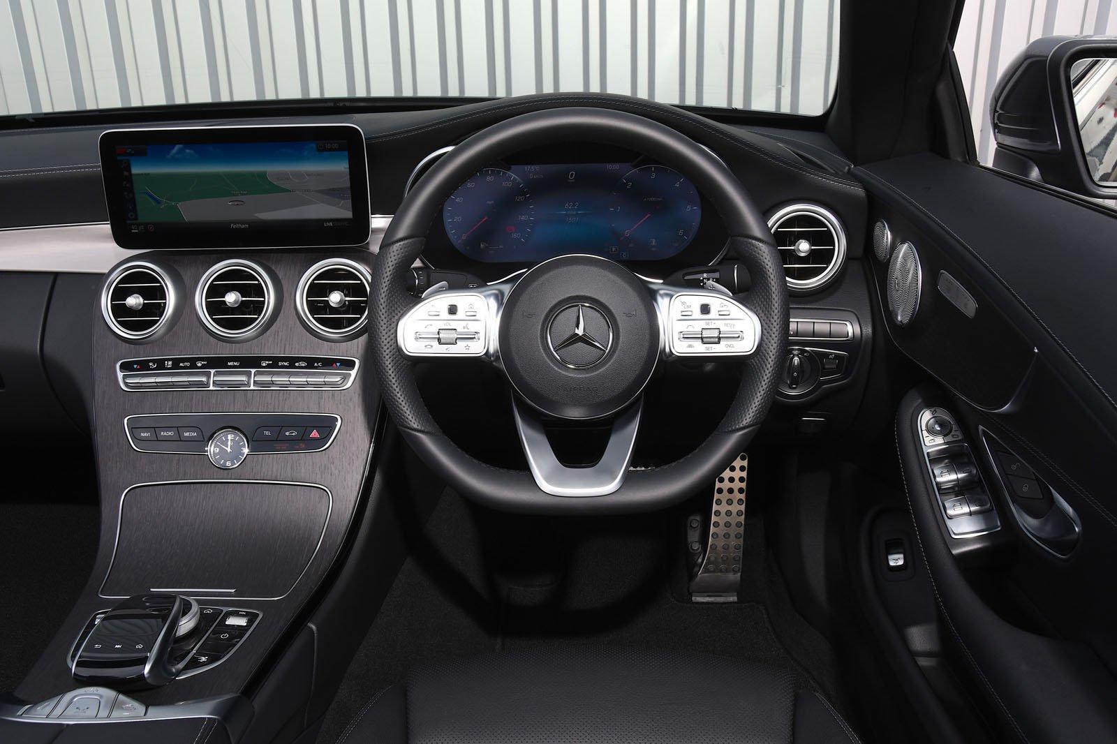 2018 Mercedes-Benz C-Class Cabriolet interior