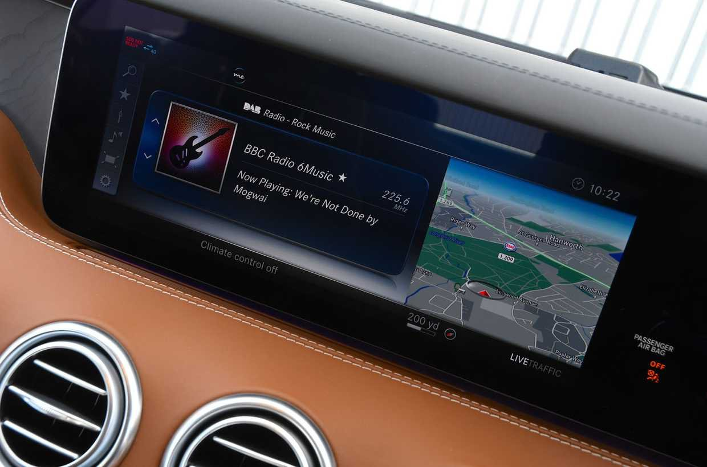 Mercedes S-Class Coupe infotainment screen