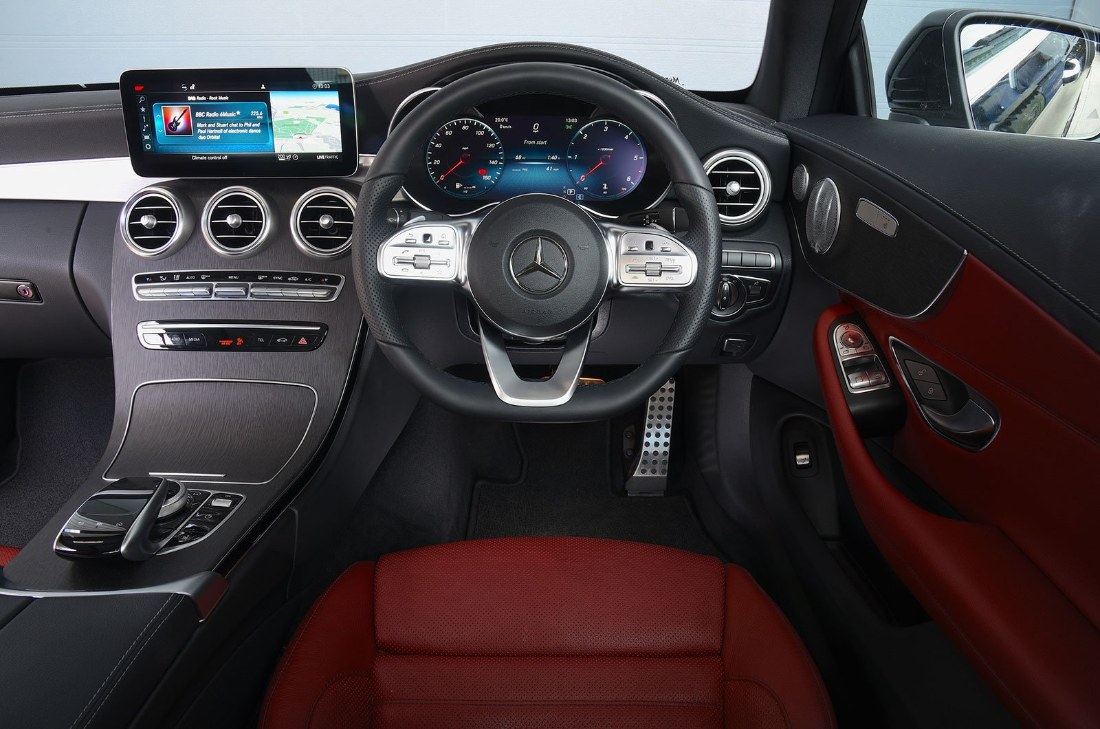 Mercedes C-Class Coupé interior