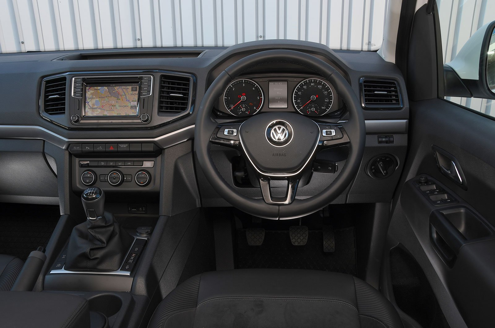 Volkswagen Amarok Interior Sat Nav Dashboard What Car