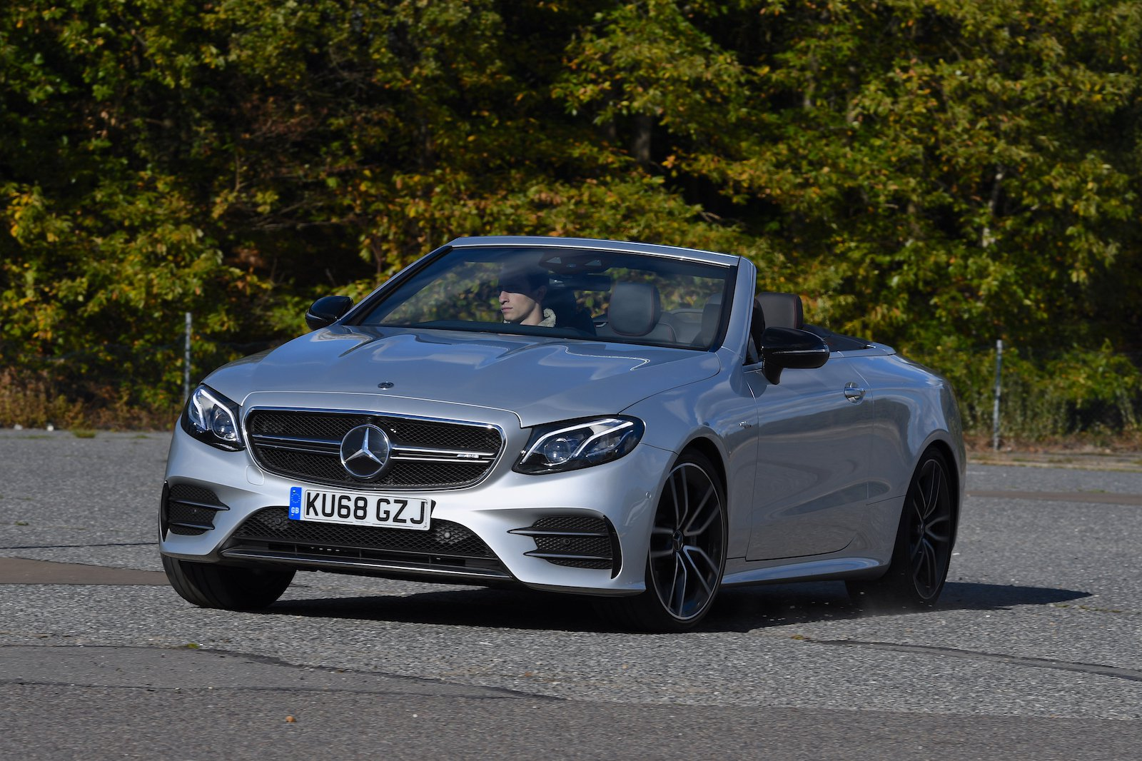 2018 Mercedes-AMG E 53 cornering