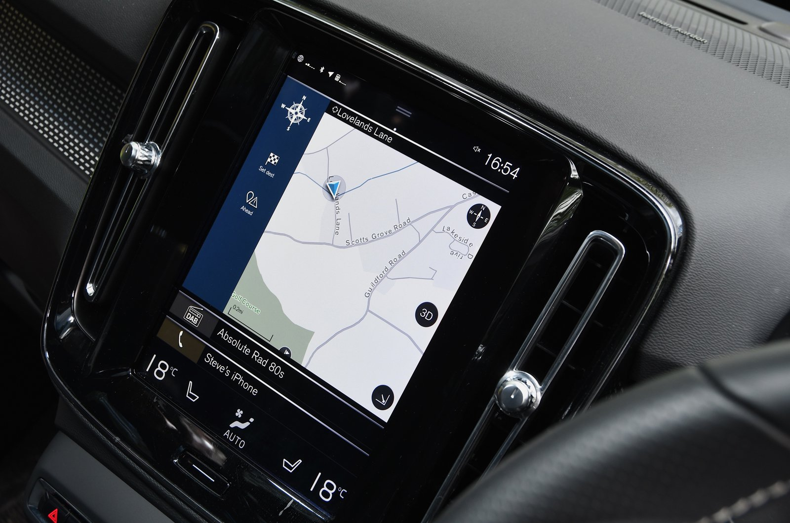 Long-term Volvo XC40 touchscreen