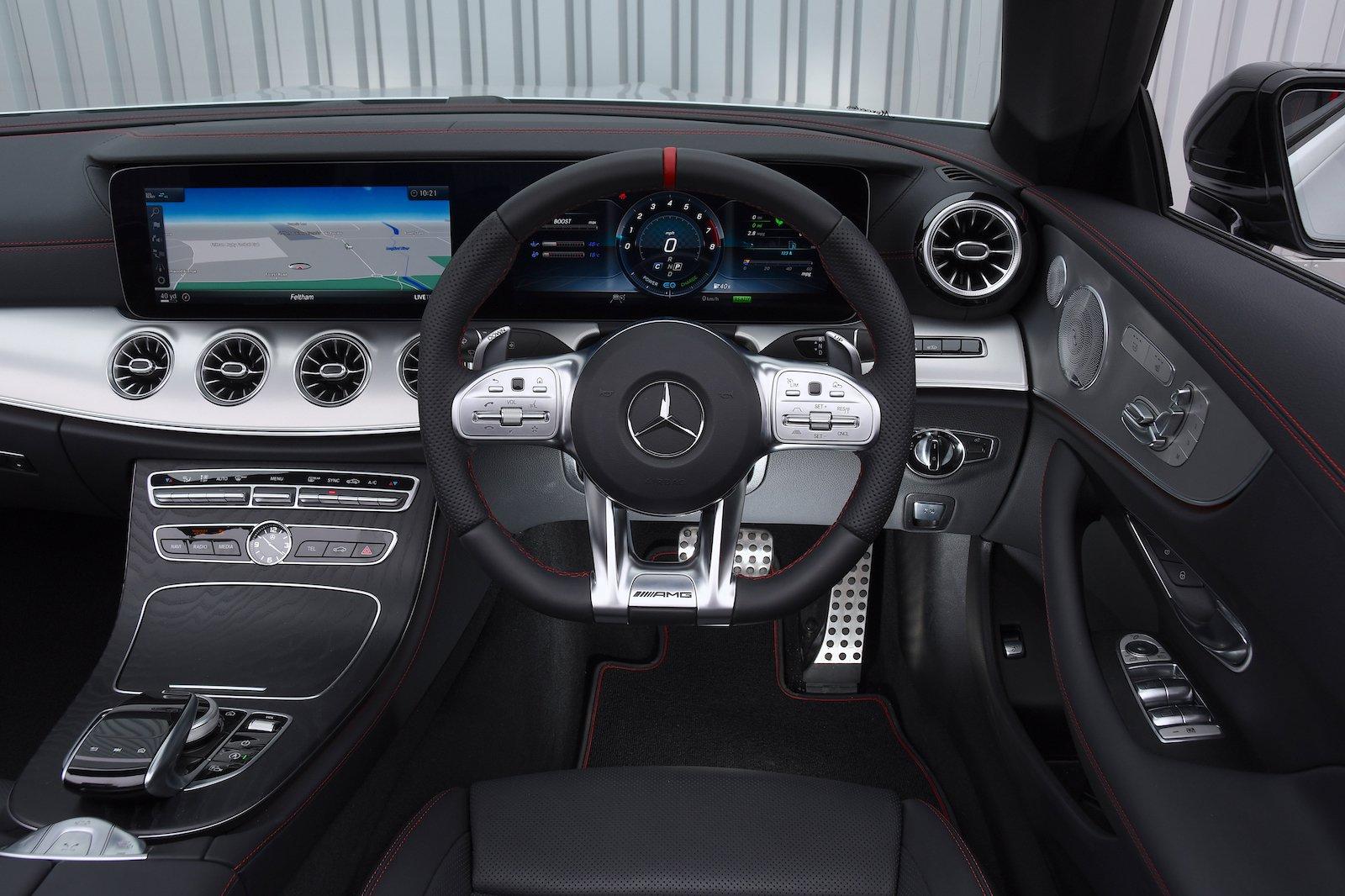 2018 Mercedes-AMG E53 Cabriolet dashboard
