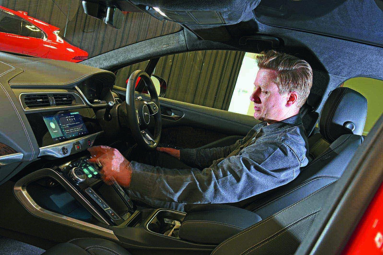 Jaguar I-Pace reader test team