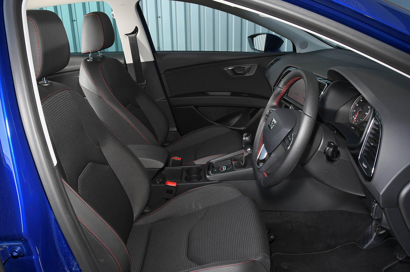 Seat Leon (2013 - present) driving position