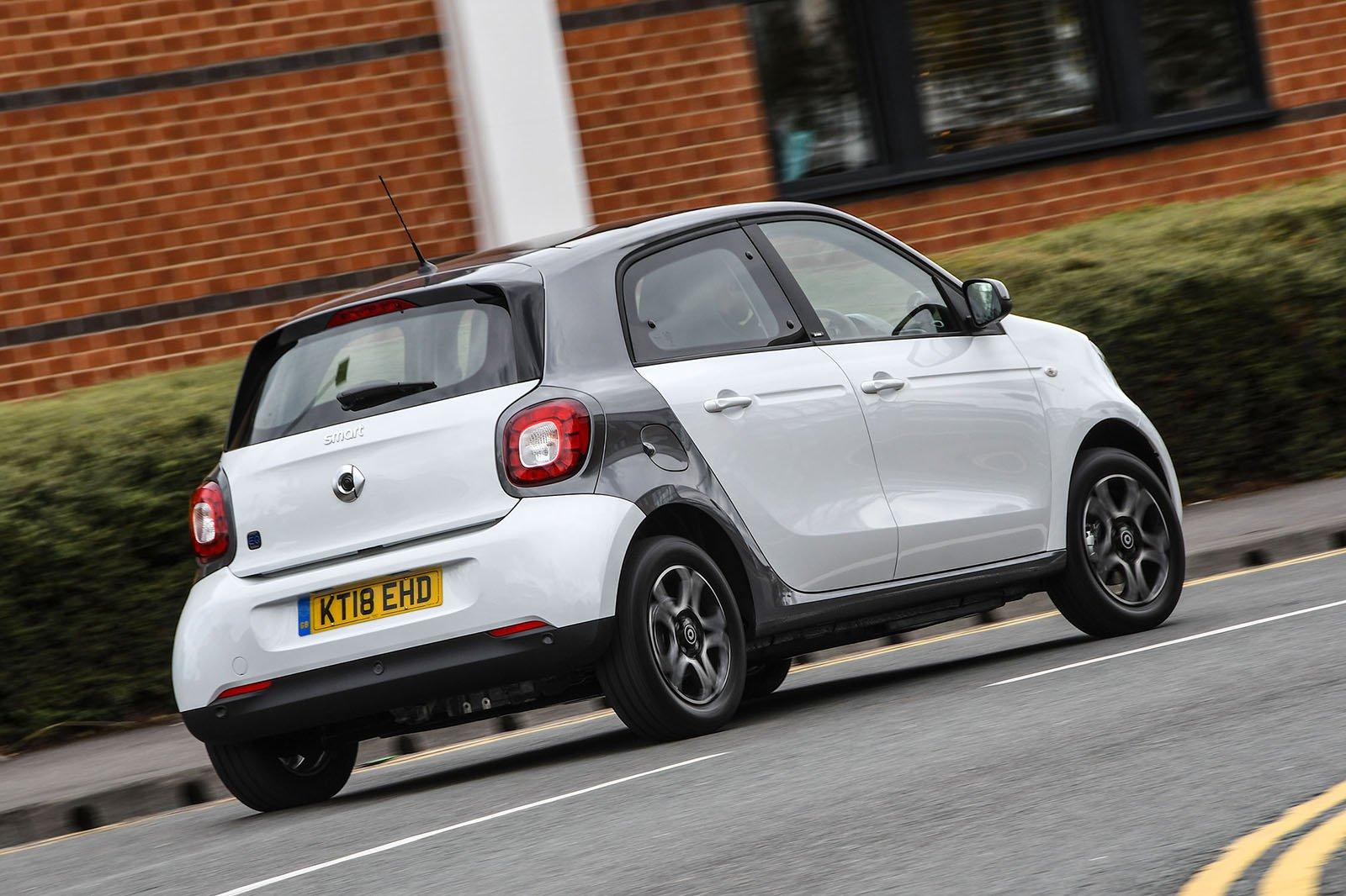 Smart Forfour EQ rear cornering