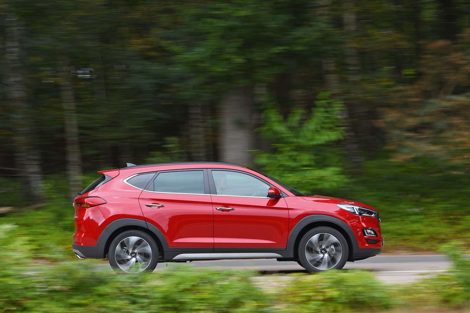 New Hyundai Tucson vs Peugeot 3008 vs Skoda Karoq | What Car?