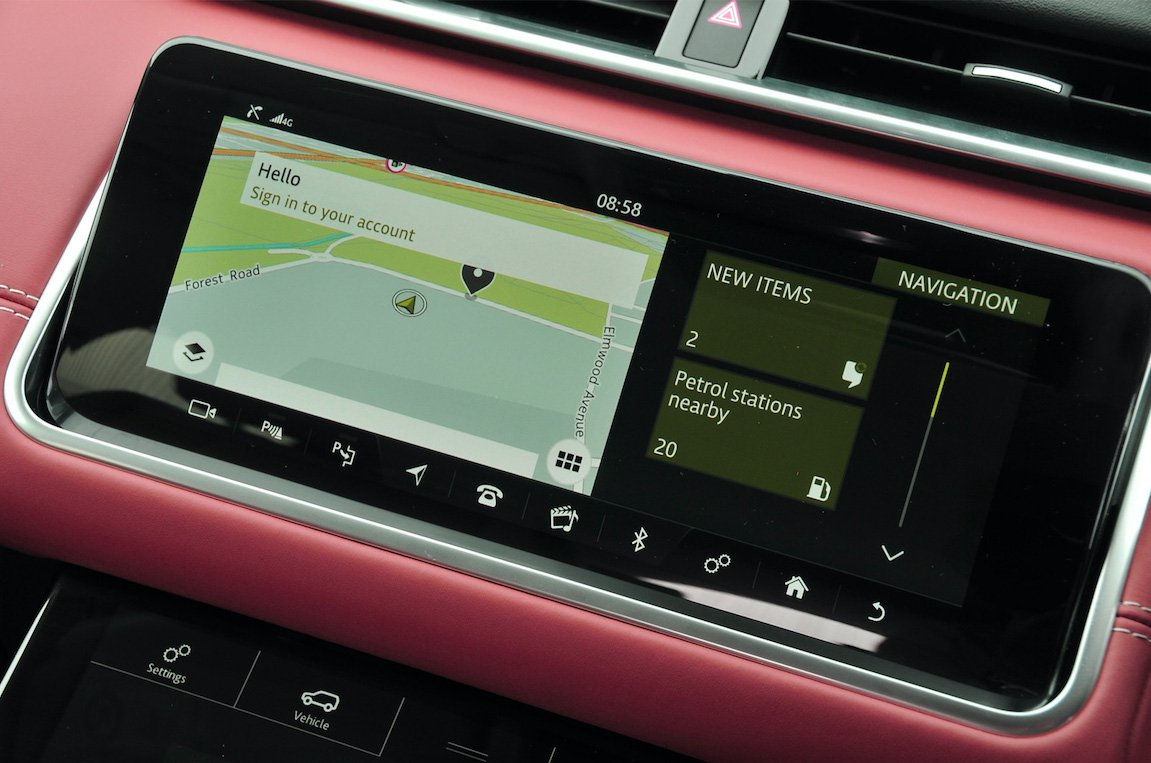 2019 Range Rover Evoque touchscreen