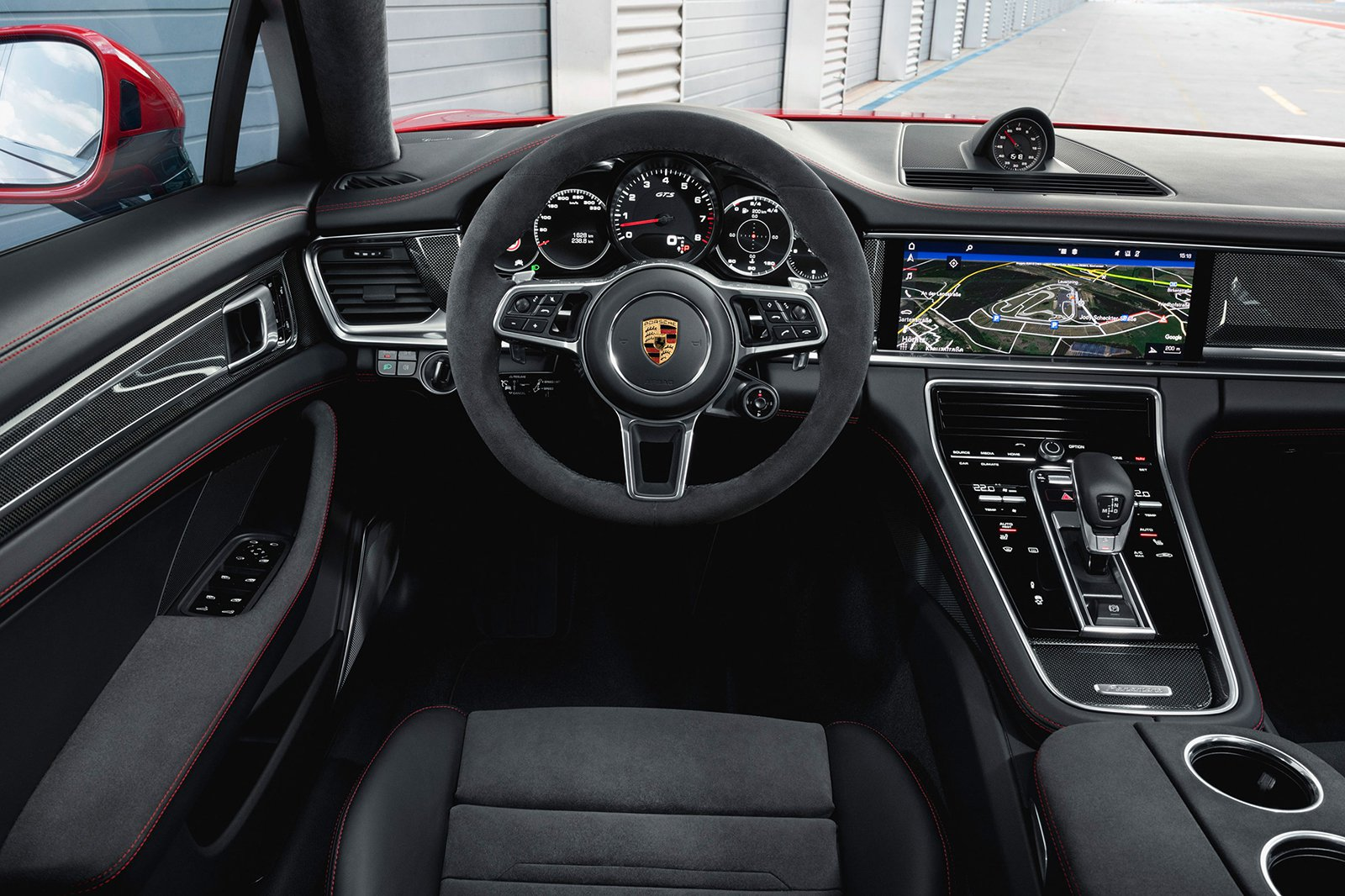 2019 Porsche Panamera GTS dash