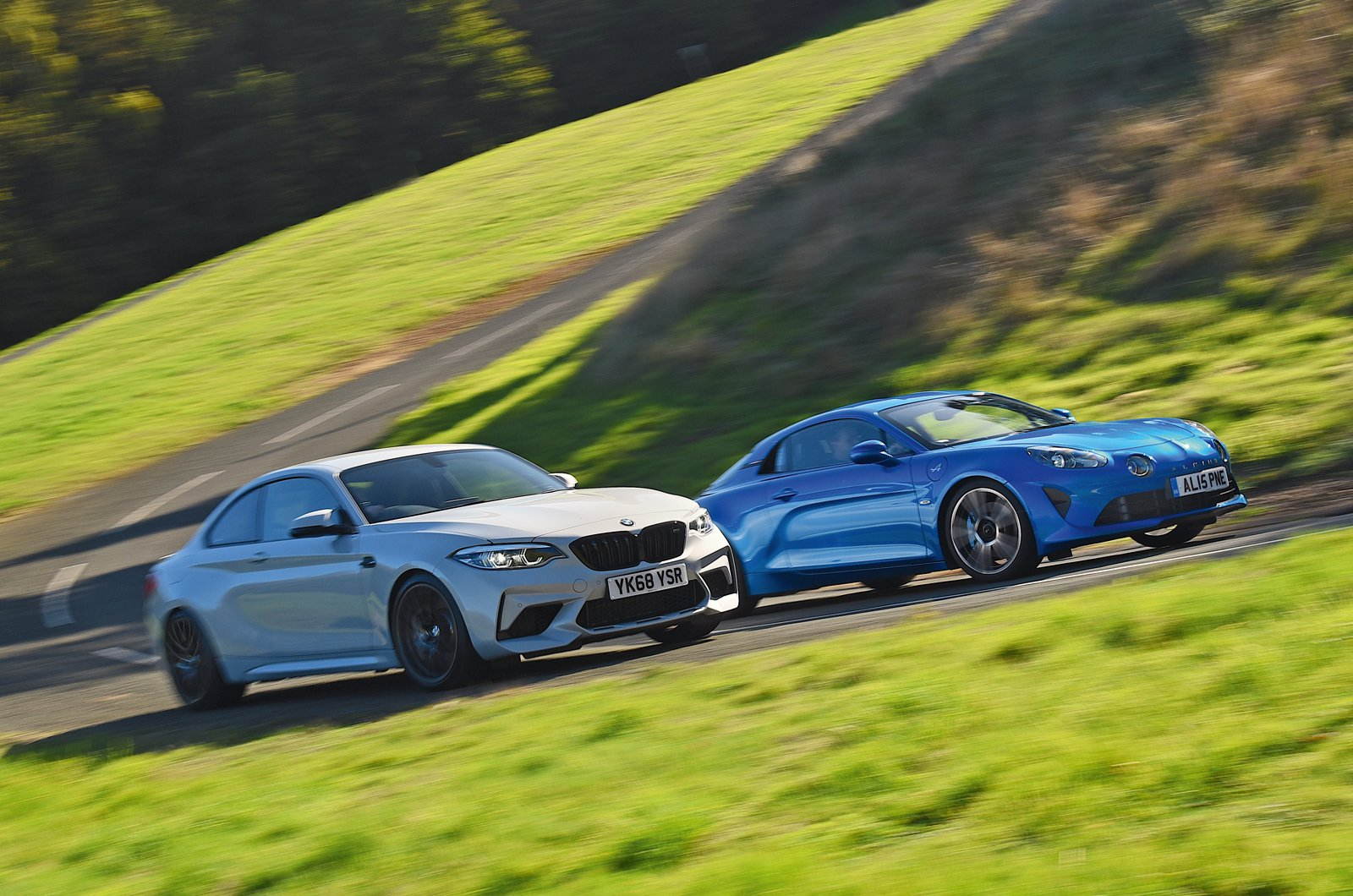 BMW M2 Competition vs Alpine A110
