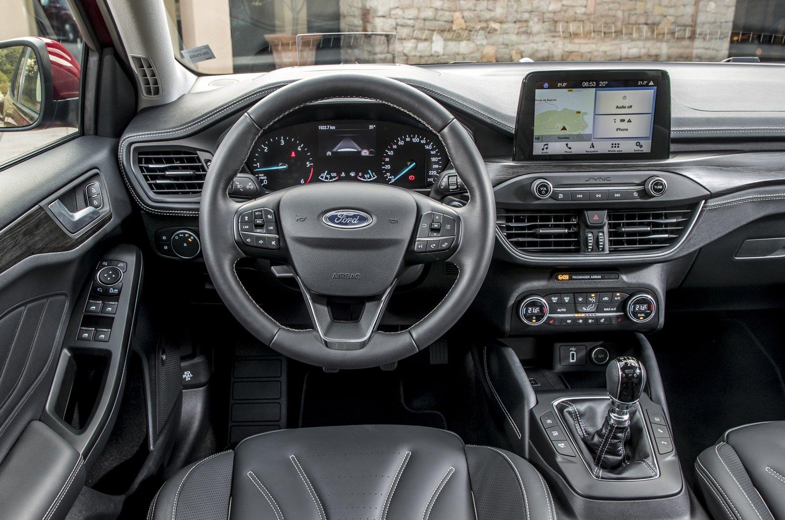 Ford Focus Estate dashboard