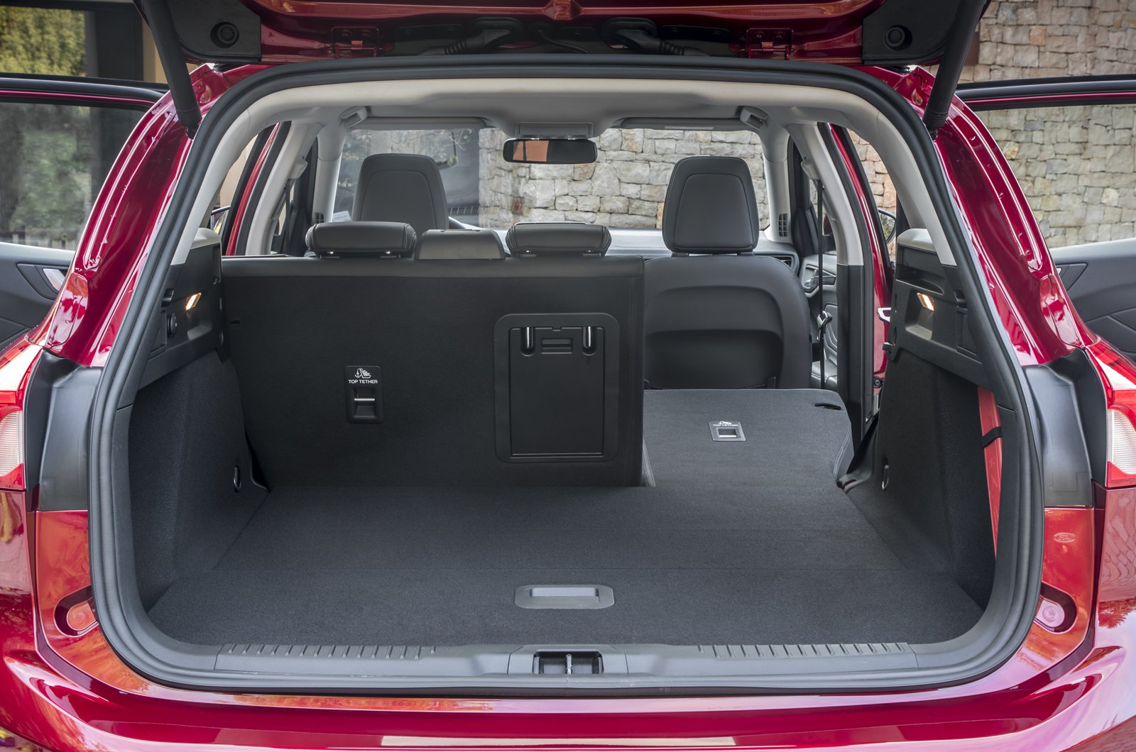 ford focus estate boot space size seats what car. Black Bedroom Furniture Sets. Home Design Ideas