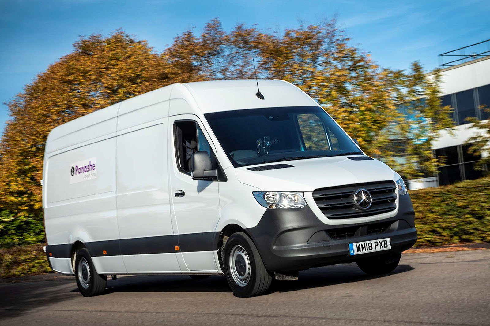 Mercedes-Benz Sprinter front