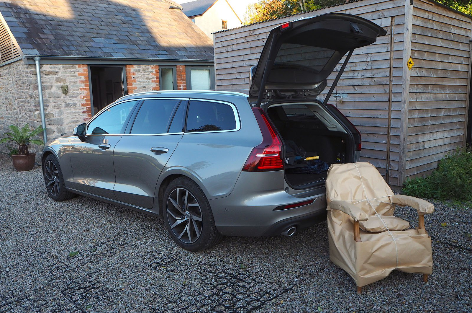Long-term Volvo V60 with chair