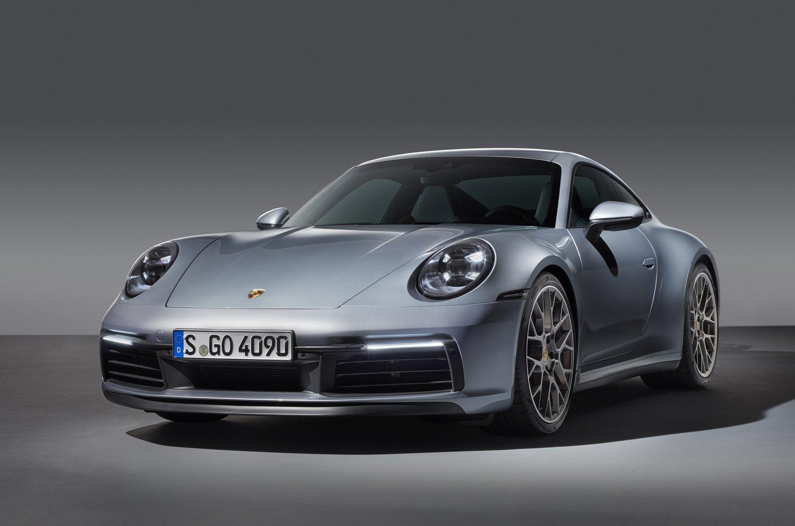 2019 Porsche 911 (992) front
