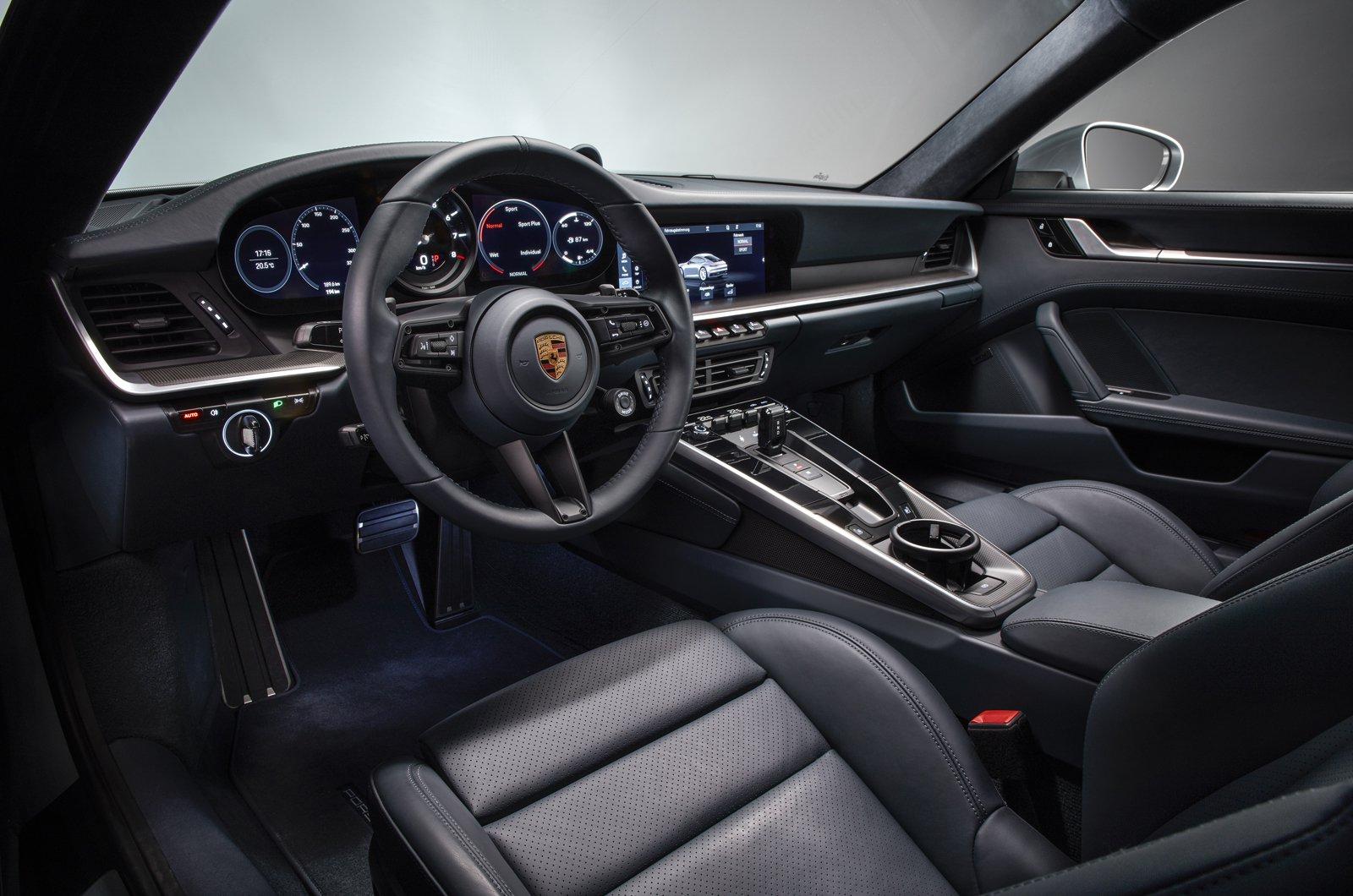 2019 Porsche 911 (992) interior