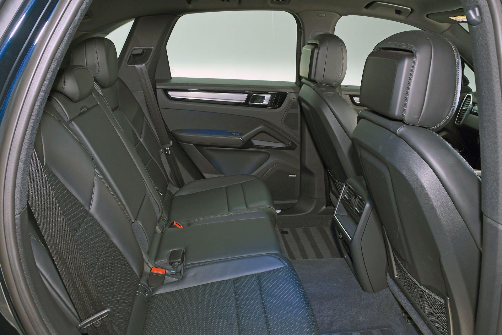 Porsche Cayenne rear space