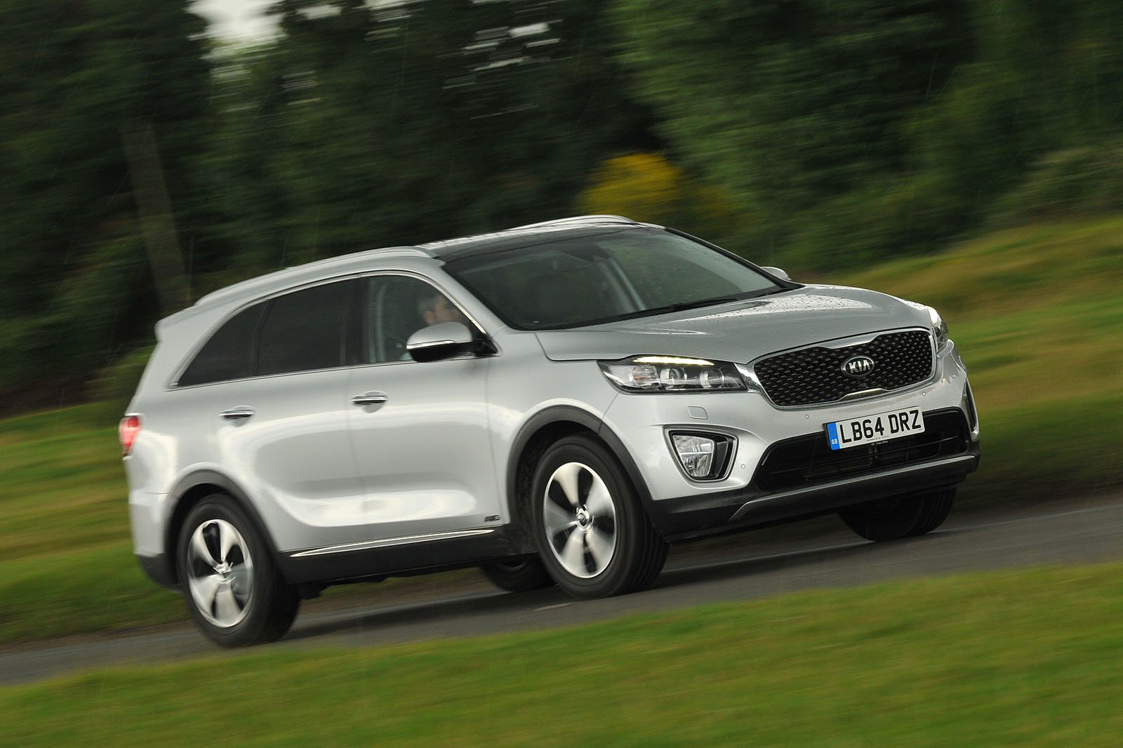 Used test: Ford Edge vs Kia Sorento
