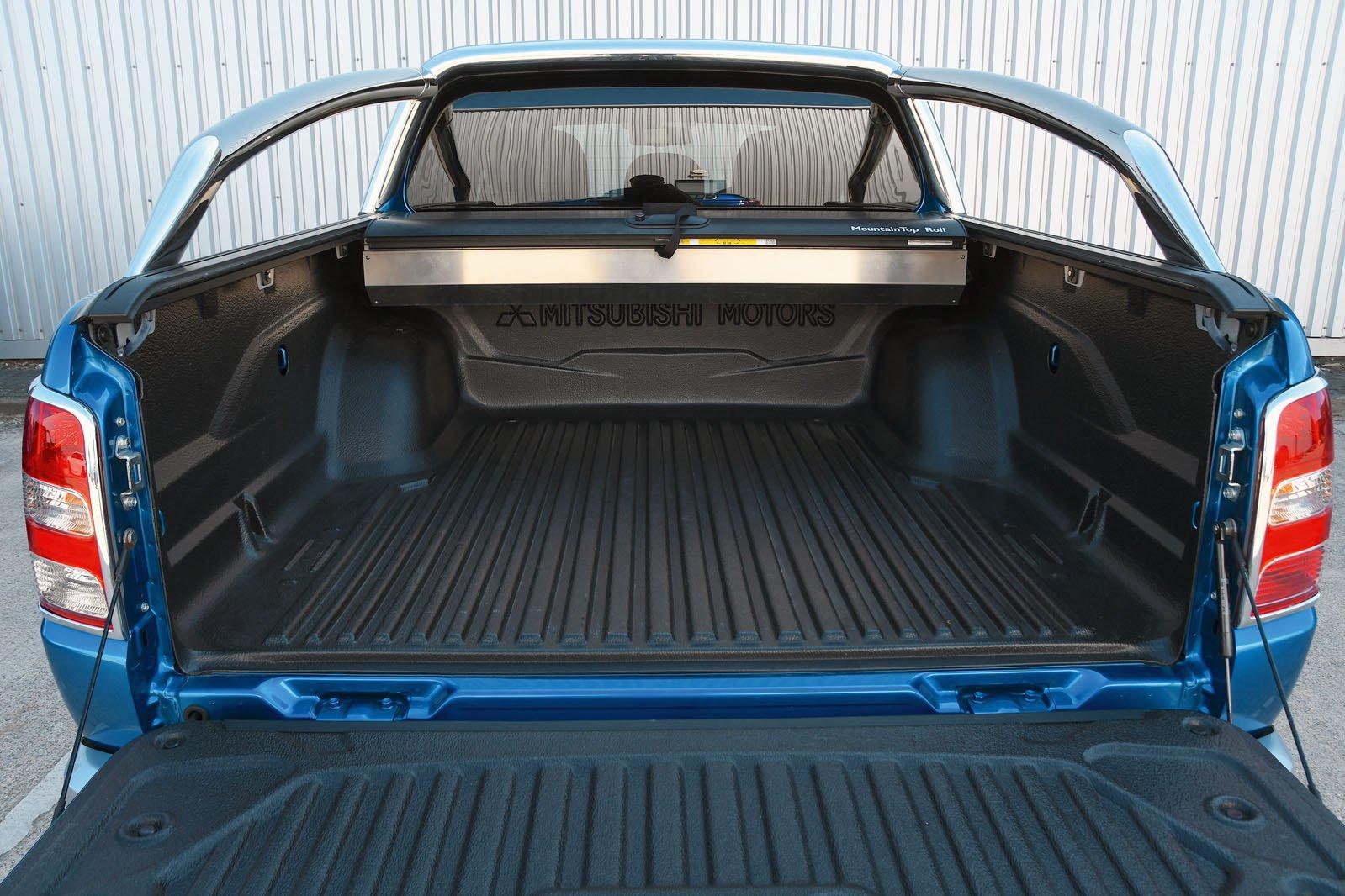 Mitsubishi L200 bed