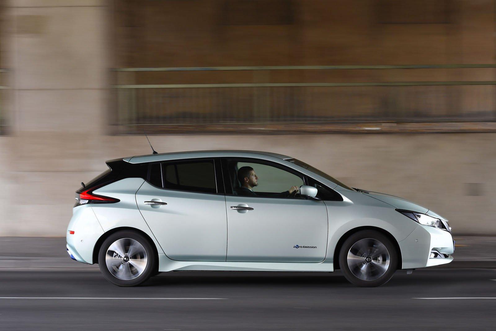 Hyundai Kona vs Nissan Leaf