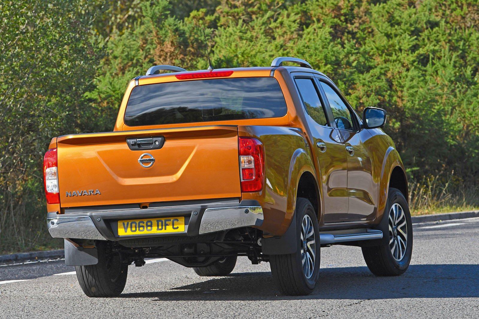 Nissan Navara rear