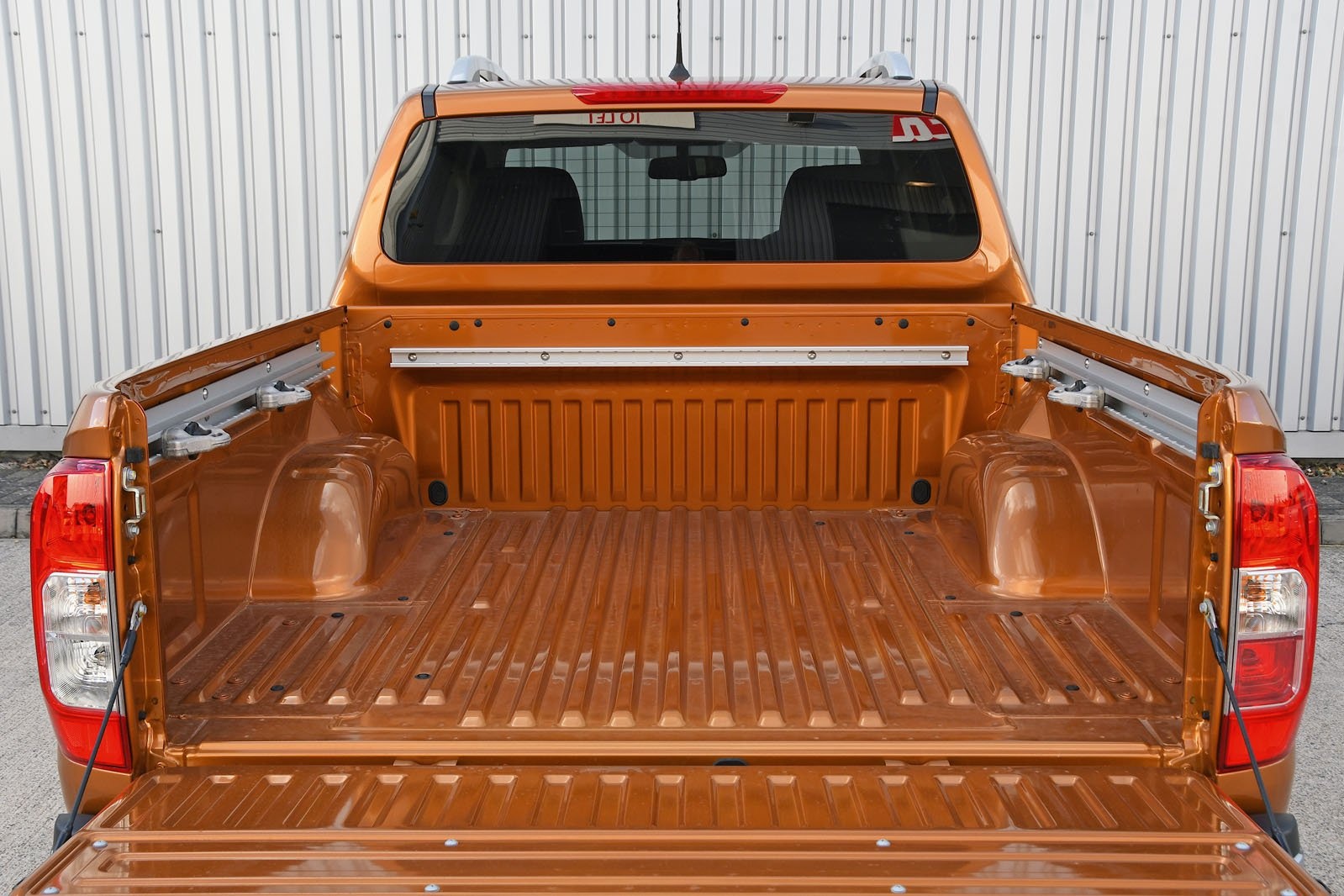 Nissan Navara bed