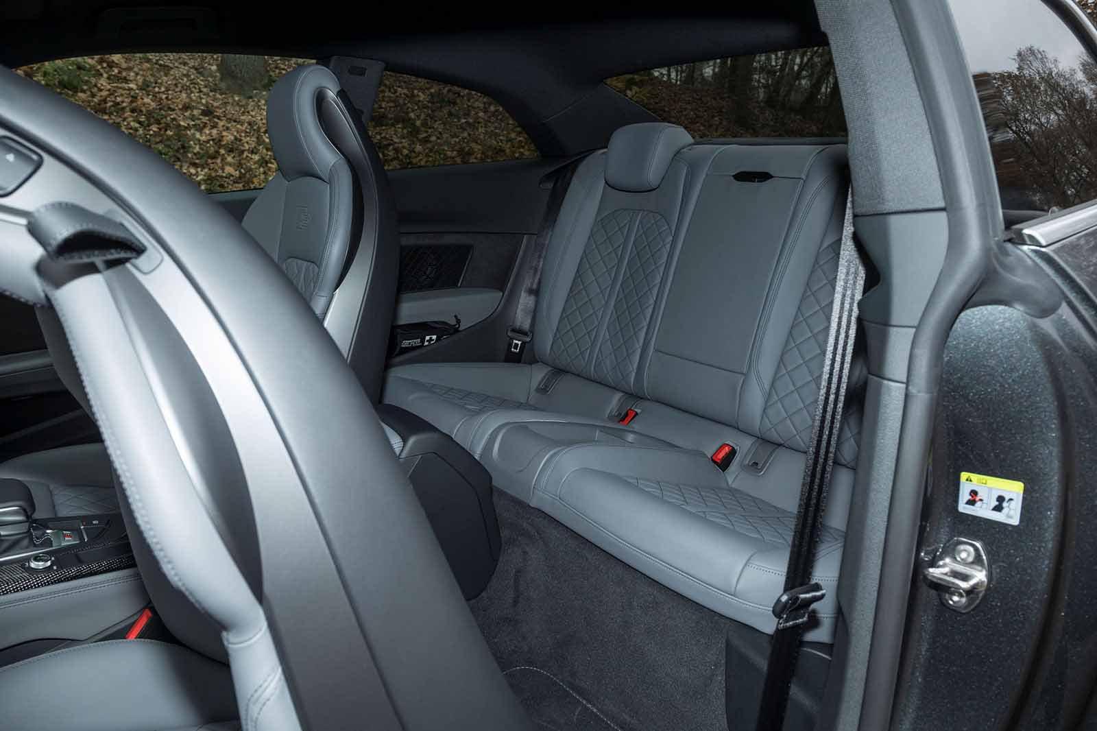 Audi A5 2019 rear seats