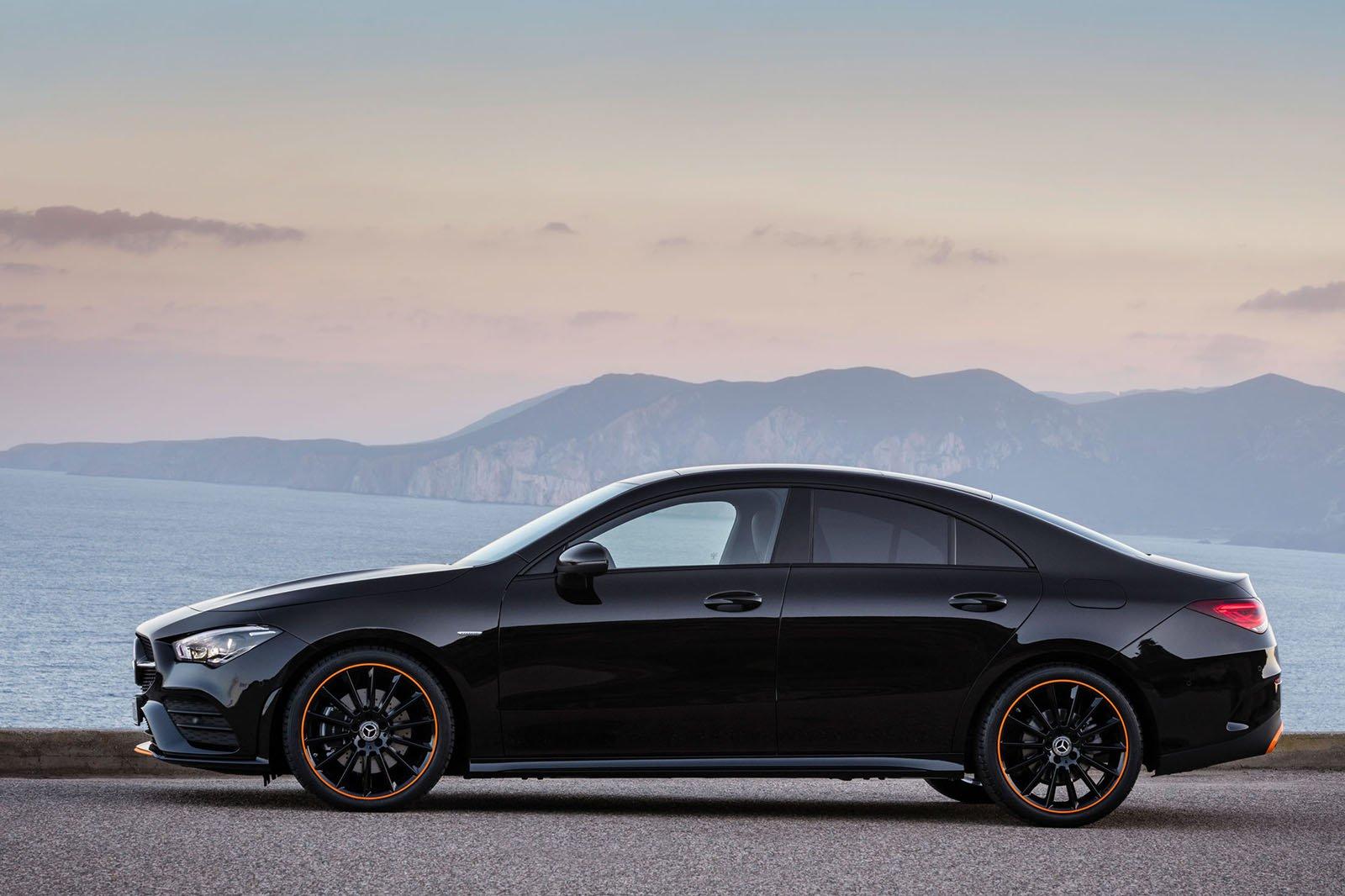 Mercedes-Benz CLA side