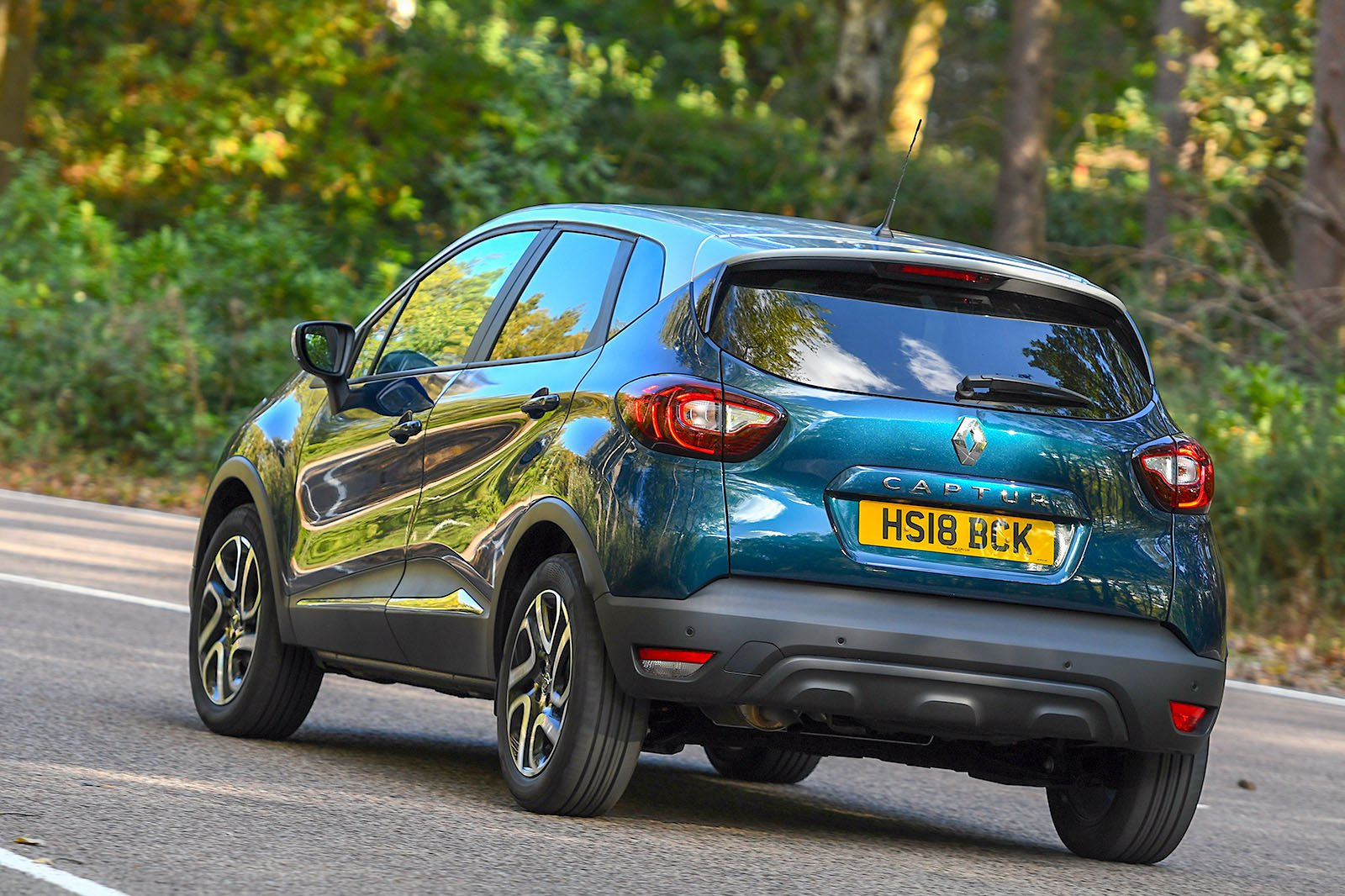 Renault Captur rear driving