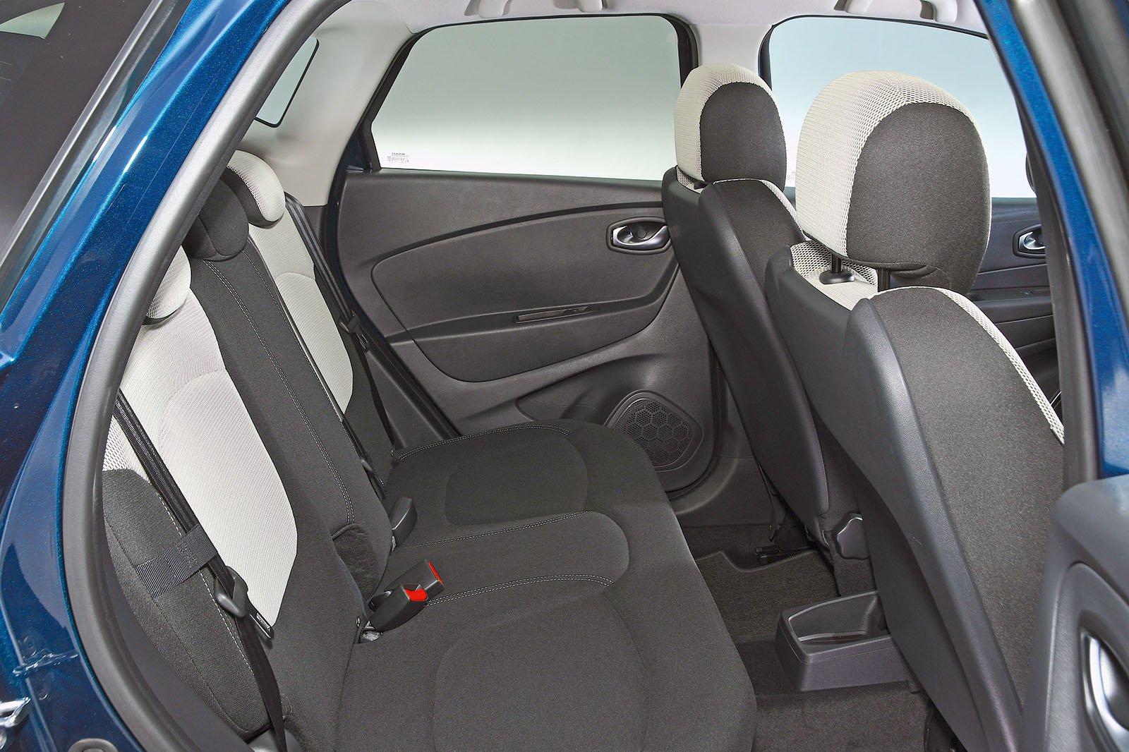 Renault Captur back seats
